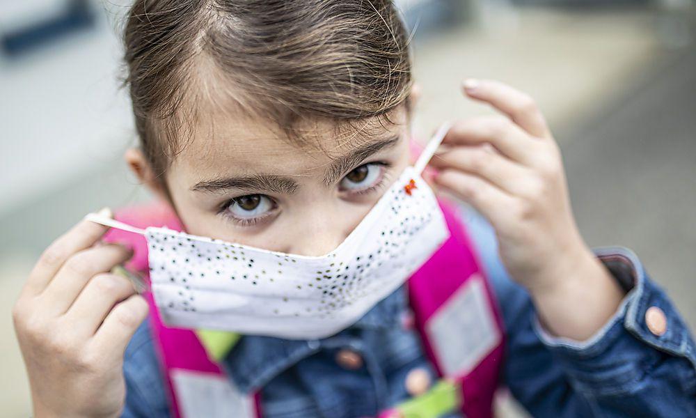 Experte rät zu Vorsicht bei Maskenpflicht-Lockerung in Klasse